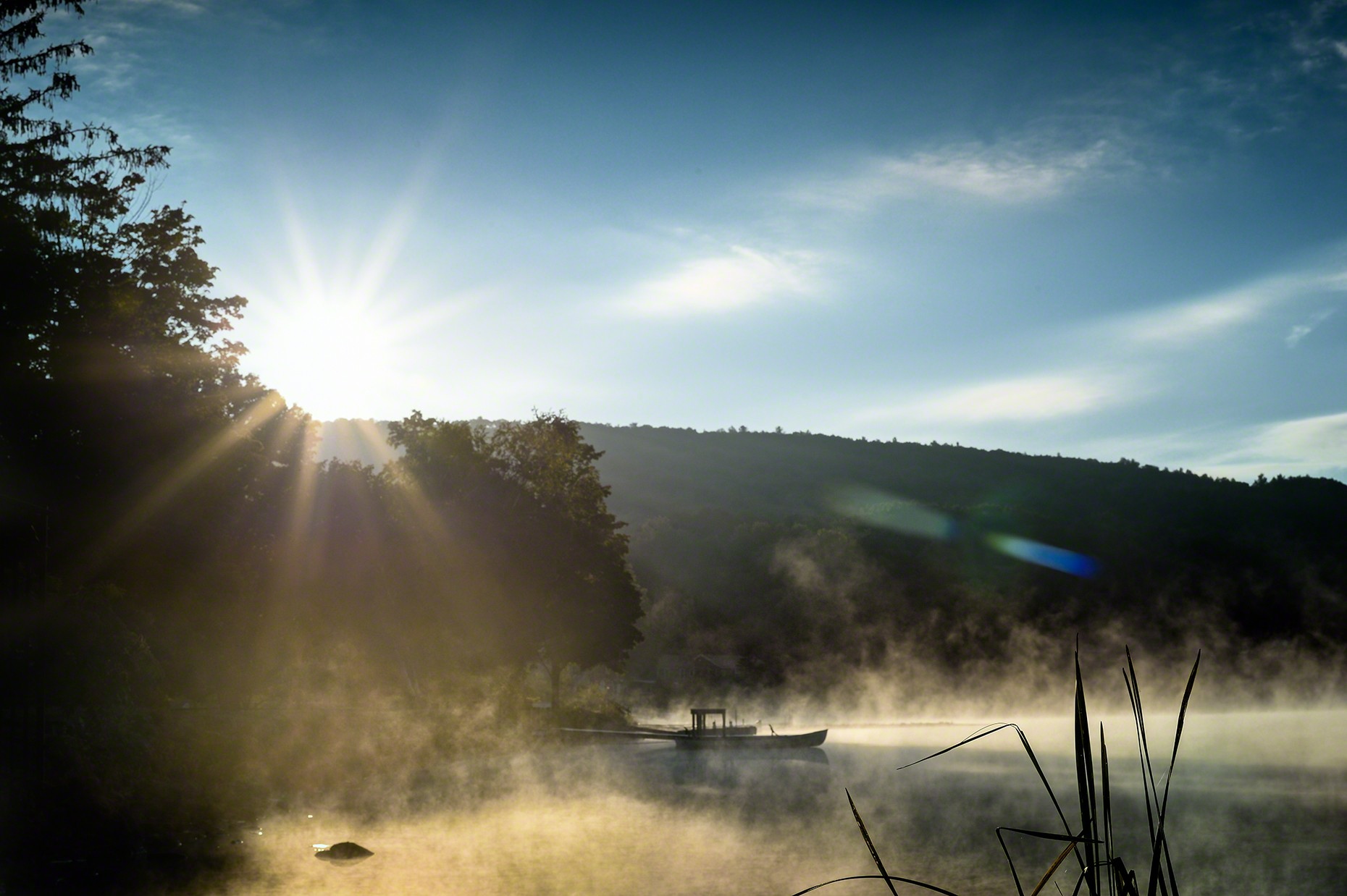 FritzImages | Travel and Outdoor Digital Images | image name = 20140919 0306 NY Morning From Glass Lake North End iop