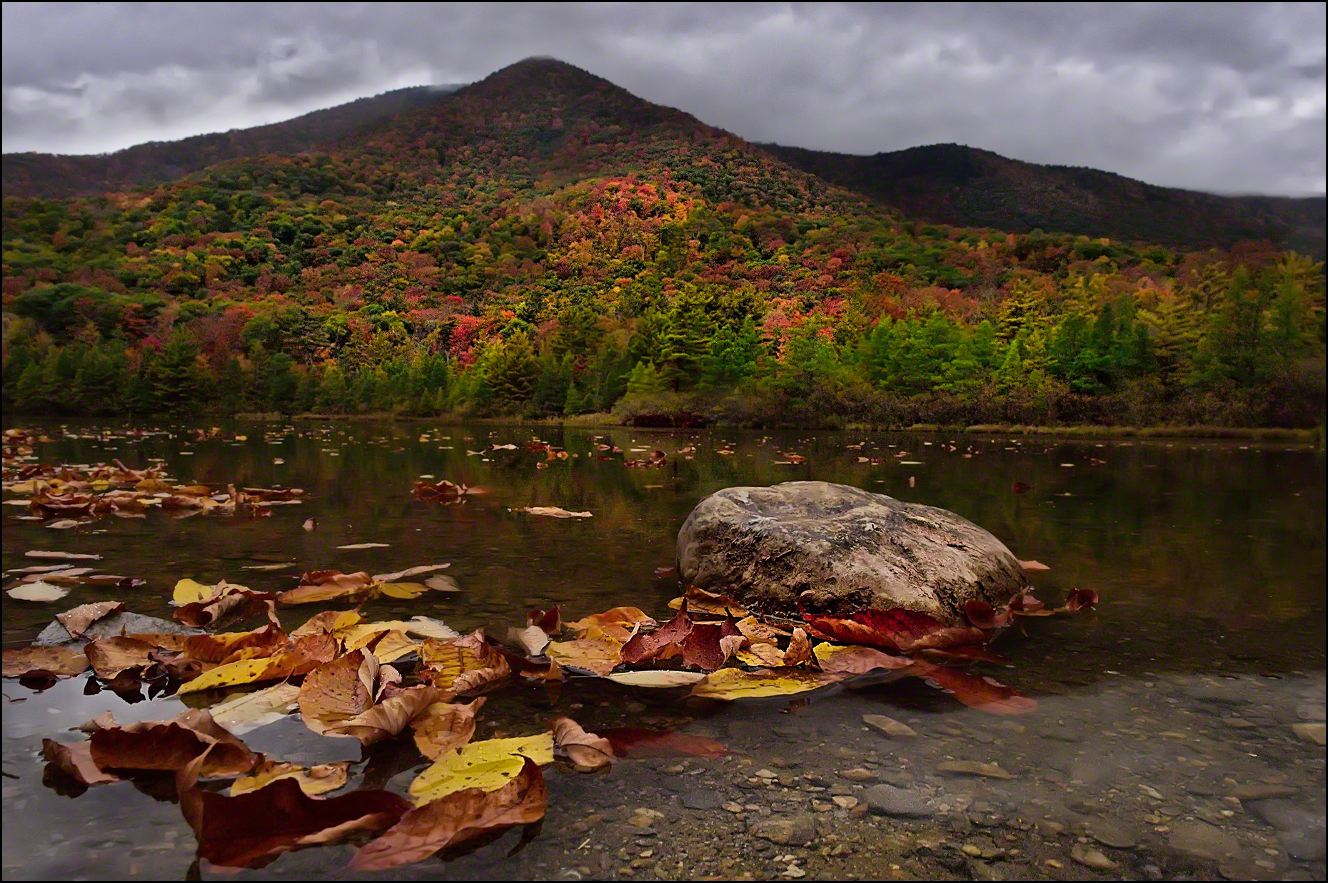 FritzImages | Travel and Outdoor Digital Images | image name = FIFP 20141004 0005 VT Equinox Pond OPT